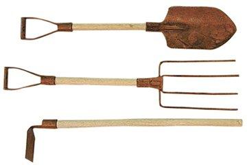 Rusty Garden Tool Set Shovel Pitch Fork Hoe Country Primitive Garden D&eacutecor